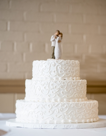 bridal-bride-and-groom-cake-1713074.jpg